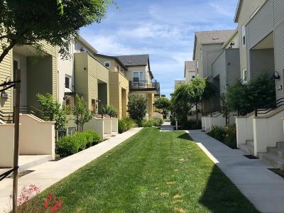 SAN MATEO Townhouse For Sale: 3042 Mawing Rd