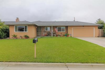 HOLLISTER Single Family Home Contingent: 1241 Scenic Cir