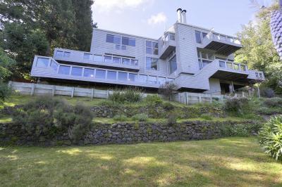 Santa Clara County Single Family Home For Sale: 18 Los Cerros Rd
