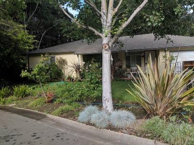 MENLO PARK Single Family Home For Sale: 1539 Laurel Pl