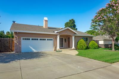 Single Family Home For Sale: 14827 Branham Ln
