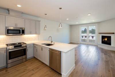 Santa Cruz County Condo For Sale: 141 Aptos Village Way 302