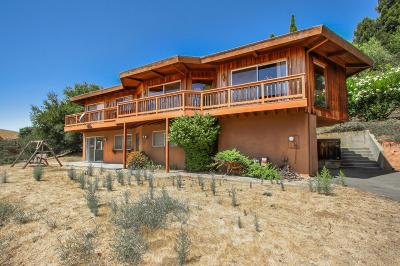 LOS ALTOS HILLS Single Family Home For Sale: 27924 Altamont Cir