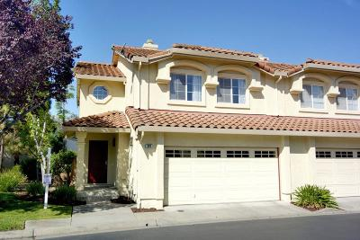 Milpitas Single Family Home For Sale: 297 Fairmeadow Way