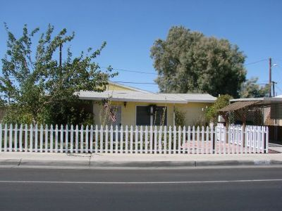 Inyo County, Kern County, Tulare County Single Family Home For Sale: 326 W Ridgecrest Blvd