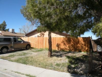 Inyo County, Kern County, Tulare County Multi Family Home For Sale: 740 E Commercial Ave