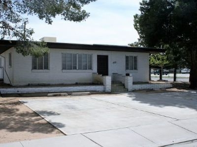 Inyo County, Kern County, Tulare County Single Family Home For Sale: 305 Panamint Ave