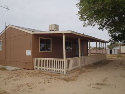 Inyo County, Kern County, Tulare County Single Family Home For Sale: 3920 W Graaf