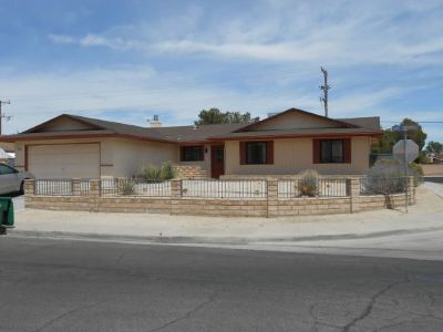 Inyo County, Kern County, Tulare County Single Family Home For Sale: 600 N Las Posas St