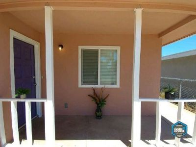 Inyo County, Kern County, Tulare County Single Family Home For Sale: 534 Atkins St