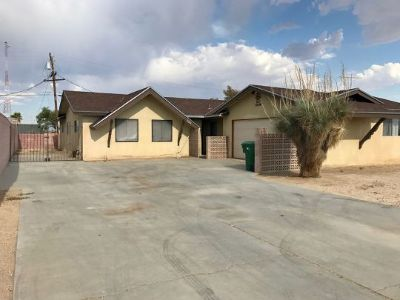 Inyo County, Kern County, Tulare County Single Family Home For Sale: 720 N Fairview St