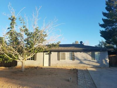 Inyo County, Kern County, Tulare County Single Family Home For Sale: 1145 W Coronado