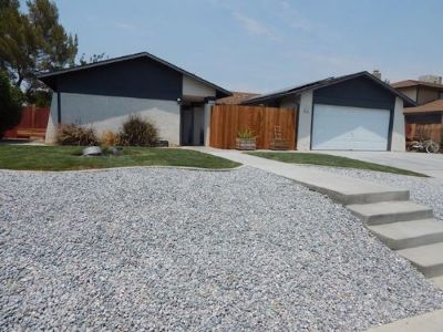 Inyo County, Kern County, Tulare County Single Family Home For Sale: 812 W Wildrose Ave