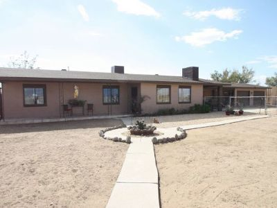Inyo County, Kern County, Tulare County Single Family Home For Sale: 815 Horseshoe Ln