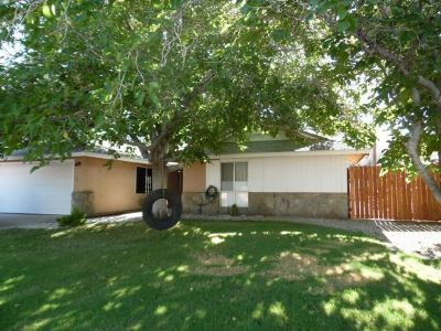 Inyo County, Kern County, Tulare County Single Family Home For Sale: 542 S Sanders St