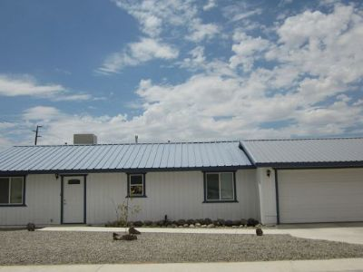 Inyo County, Kern County, Tulare County Single Family Home For Sale: 700 W Church Ave