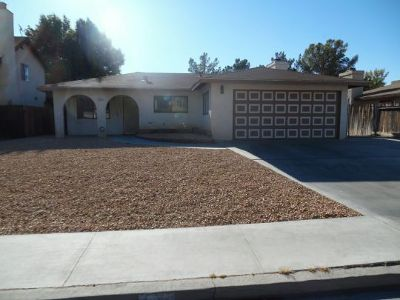 Inyo County, Kern County, Tulare County Single Family Home For Sale: 212 Kimberly Ln
