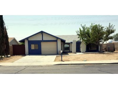 Inyo County, Kern County, Tulare County Single Family Home For Sale: 501 Cottonwood Dr