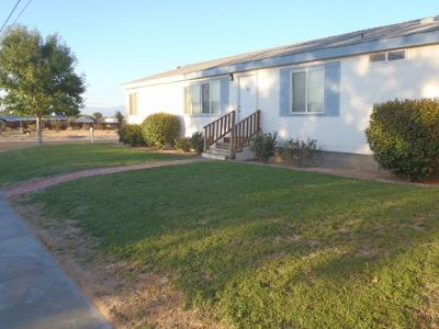 Inyo County, Kern County, Tulare County Single Family Home For Sale: 935 W Sullivan