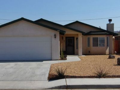 Inyo County, Kern County, Tulare County Single Family Home For Sale: 933 W Mariposa Ave