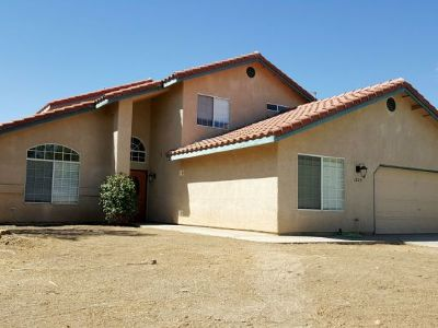 Inyo County, Kern County, Tulare County Single Family Home For Sale: 1229 Joshua Ct