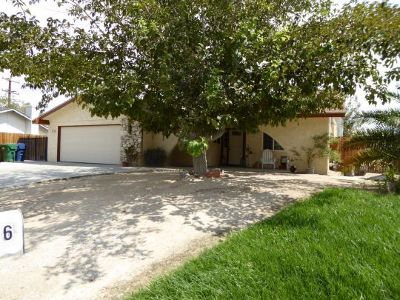 Inyo County, Kern County, Tulare County Single Family Home For Sale: 520 N Las Posas St