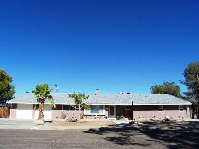 Inyo County, Kern County, Tulare County Single Family Home For Sale: 1124 S Allen St