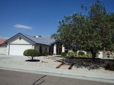 Inyo County, Kern County, Tulare County Single Family Home For Sale: 114 W Mojave Rose Ave