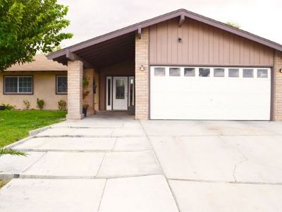 Inyo County, Kern County, Tulare County Single Family Home For Sale: 309 Dawn Ct
