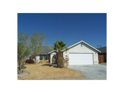 Inyo County, Kern County, Tulare County Single Family Home For Sale: 1640 S Mahan St
