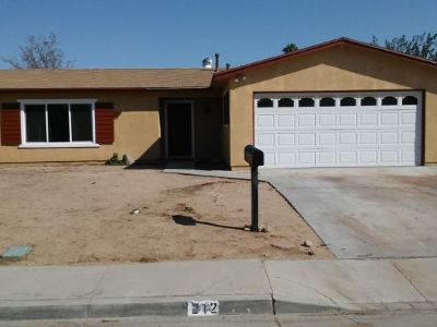 Inyo County, Kern County, Tulare County Single Family Home For Sale: 212 W Benson Ave