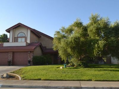Inyo County, Kern County, Tulare County Single Family Home For Sale: 129 W Mojave Rose Ave
