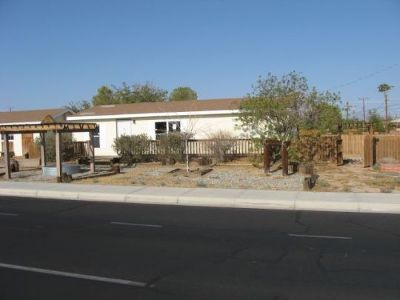 Inyo County, Kern County, Tulare County Single Family Home For Sale: 900 W. Hood