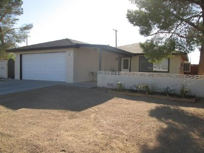 Inyo County, Kern County, Tulare County Single Family Home For Sale: 925 Mayo