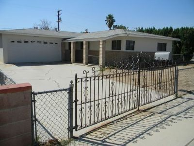 Inyo County, Kern County, Tulare County Single Family Home For Sale: 427 NW Jean Ave