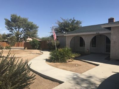 Inyo County, Kern County, Tulare County Single Family Home For Sale: 524 S Erin