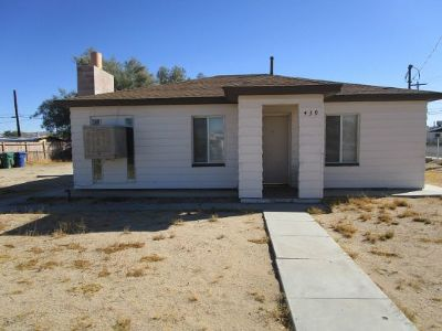 Inyo County, Kern County, Tulare County Single Family Home For Sale: 439 W Haloid St