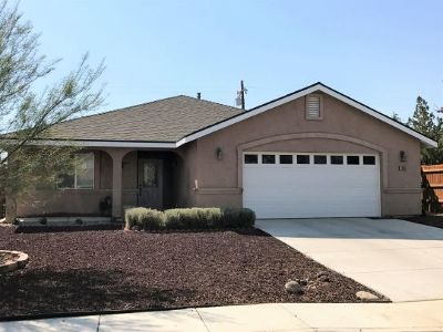 Inyo County, Kern County, Tulare County Single Family Home For Sale: 1345 W Willow Ave