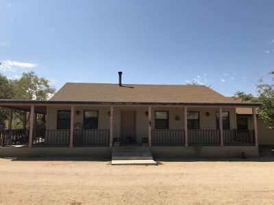 Inyo County, Kern County, Tulare County Single Family Home For Sale: 875 E Bowman