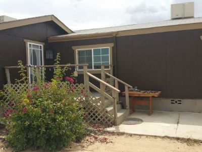 Inyo County, Kern County, Tulare County Single Family Home For Sale: 1049 Leroy St