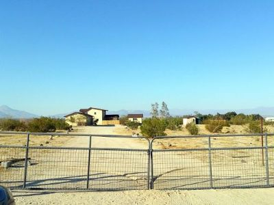 Inyo County, Kern County, Tulare County Single Family Home For Sale: 7663 Buckel Ave