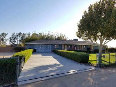 Inyo County, Kern County, Tulare County Single Family Home For Sale: 3629 Alene