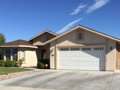 Inyo County, Kern County, Tulare County Single Family Home For Sale: 408 Acacia