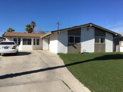 Inyo County, Kern County, Tulare County Single Family Home For Sale: 421 Lenore St