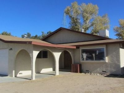 Inyo County, Kern County, Tulare County Single Family Home For Sale: 412 Fountain St
