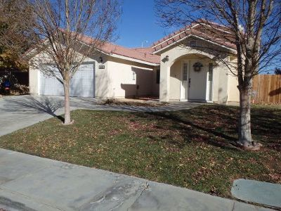 Inyo County, Kern County, Tulare County Single Family Home For Sale: 1228 Beasley St