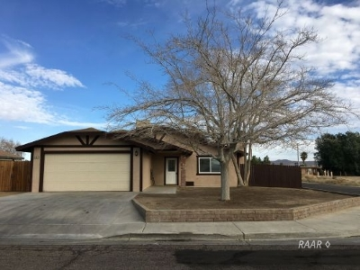 Inyo County, Kern County, Tulare County Single Family Home For Sale: 632 Lakeview Ct.