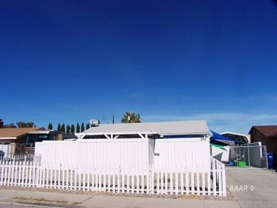 Inyo County, Kern County, Tulare County Single Family Home For Sale: 936 W Langley Ave