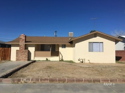 Inyo County, Kern County, Tulare County Single Family Home For Sale: 224 Perdew Ave