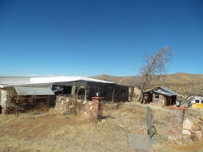 Inyo County, Kern County, Tulare County Single Family Home For Sale: 27649 Broadway St